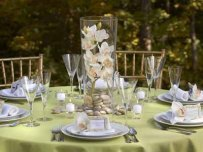 outdoor-dining-table-setting